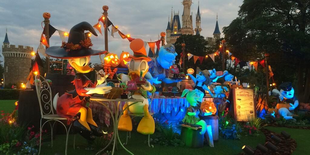 complete guide to halloween at tokyo disney resort - Disney Halloween Photos