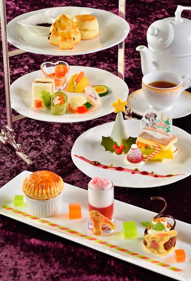 Disney's Christmas Afternoon Tea Set ¥3,400 (Please Note: Afternoon Tea Set is only available between the hours of 12.00 pm – 5.00 pm)