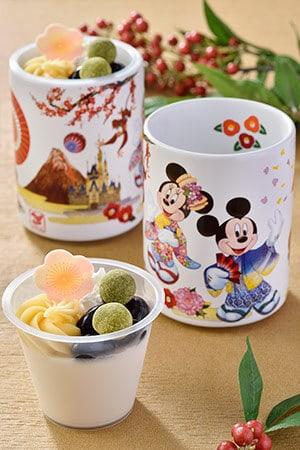 Black Bean & Sesame Mousse, with a Souvenir Cup ¥720 Available from December 26, 2015 - January 5, 2016 at Sweetheart Cafe