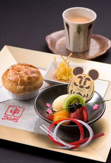New Years Dessert Set ¥1,800 Available December 26, 2015 - January 5, 2016 at the Hyperion Lounge