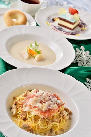 Eastside Cafe Special Course Set ¥2570 Includes... *Cream of White Bean Soup, with Scallops and Vegetables *Spaghetti with pork and a Prosciutto Cream Sauce *Bread *White Chocolate Mousse Cake Soft Drink Available at Eastside Cafe
