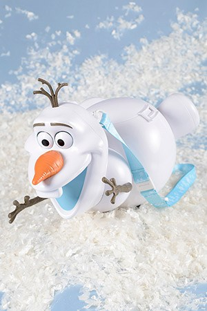 Popcorn, with Olaf Bucket ¥2,100 Available at the Popcorn Wagon next to Sweetheart Cafe