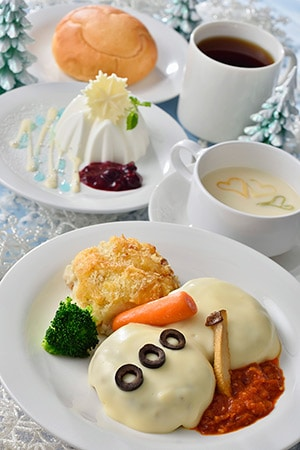 Plaza Pavilion Special Set ¥1,940 *Cauliflower Cream Soup *Hamburger, with a White Cheese Sauce *Bread or Rice *Yogurt Mousse *Soft Drink Available at the Plaza Pavilion Restaurant