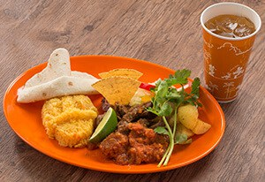 Beef Plate Set ¥1,580 Separately ¥1,370 Spicy Beef, Salsa, Turmeric Rice, and Tortilla