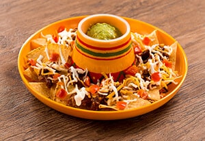 Nachos, with Chili Con Carne & Sour Cream ¥690