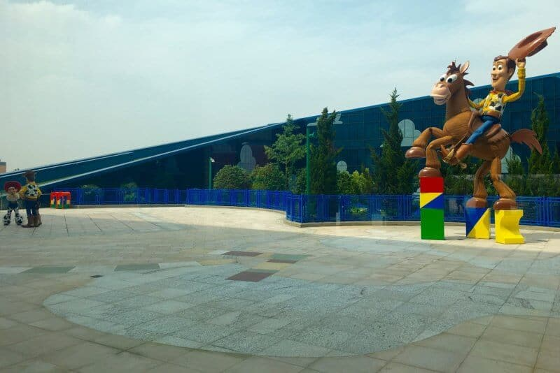 Toy Story Hotel Outside Shanghai Disneyland Grand Opening