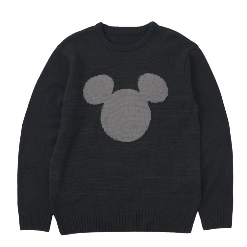 Sweater ¥4,900 Sizes S, M, L Available from October 3