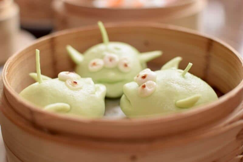 Green Alien Dim Sum at the Crystal Lotus