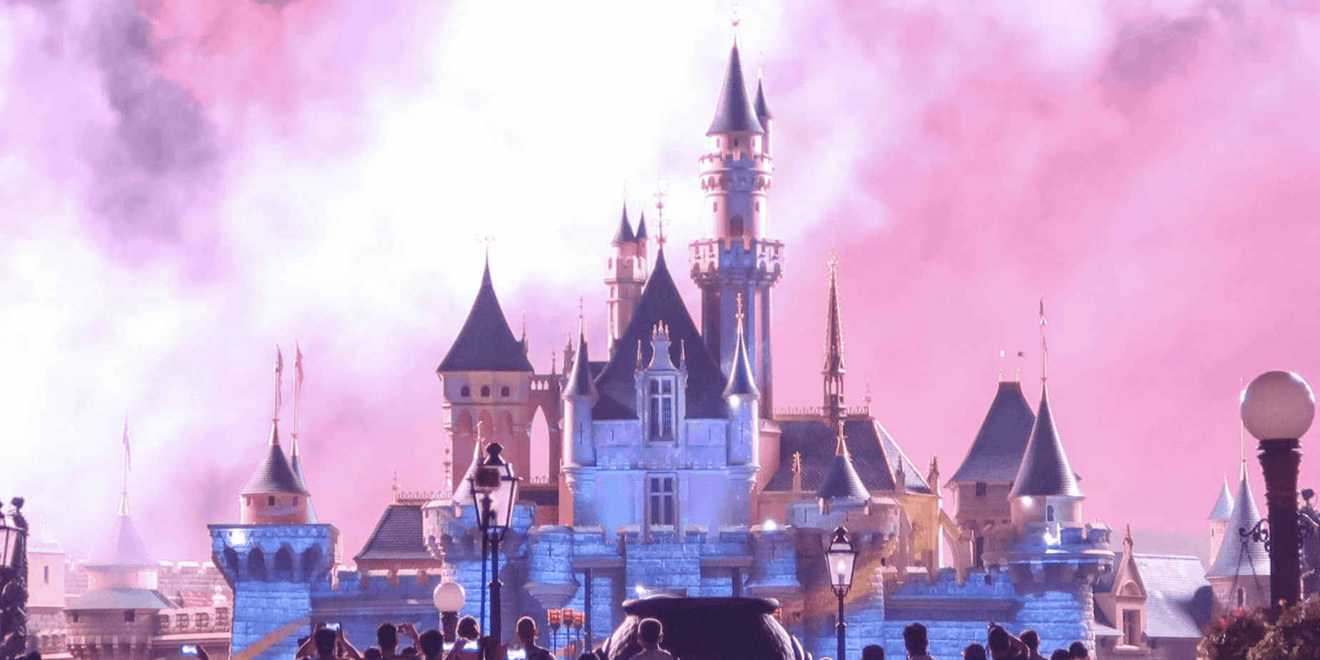 "Newest ""Ultimate Guide"" to Hong Kong Disneyland"