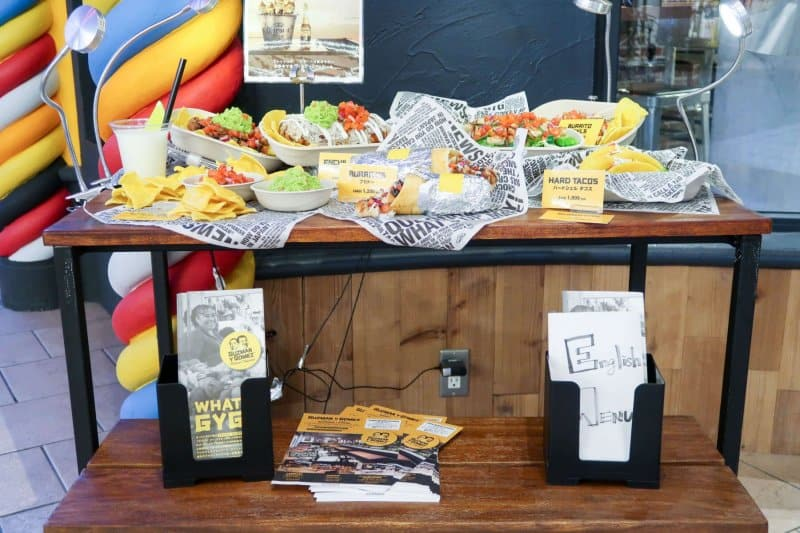 Plastic Food Display Guzman Y Gomez Ikspiari Review