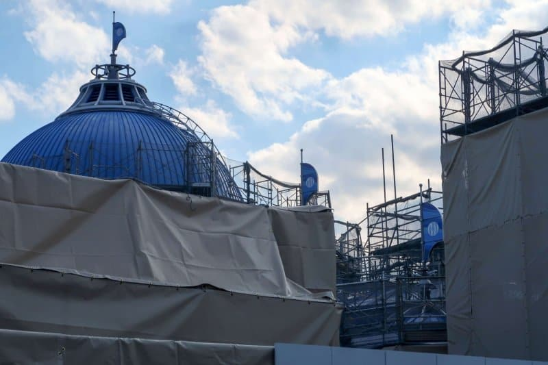 Finding Nemo SeaRider Construction Tokyo DisneySea Blue Roof Angle