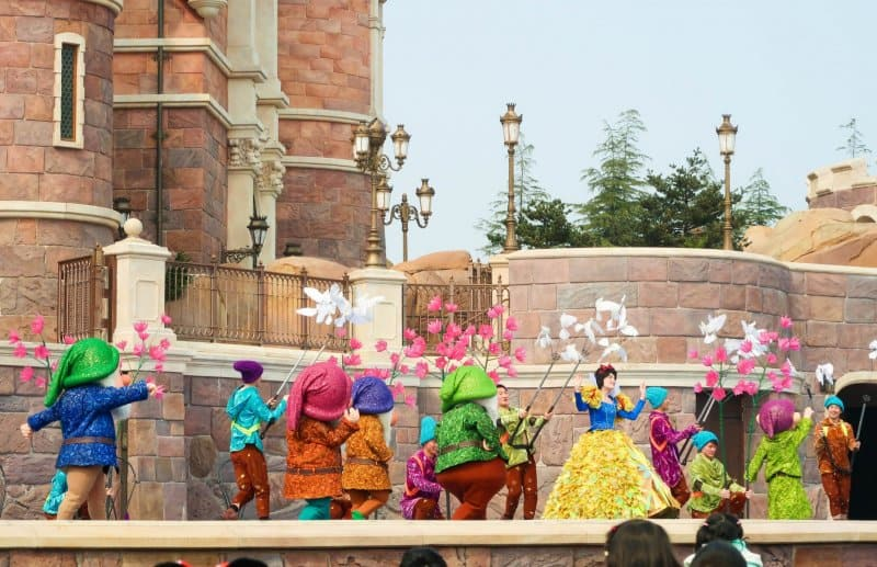 Snow White Golden Fairytale Fanfare Shanghai Disneyland