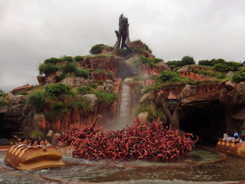 Splash Mountain at Tokyo Disneyland
