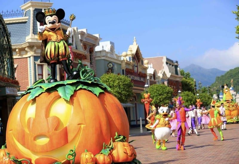 Hong Kong Disneyland's Halloween Parade