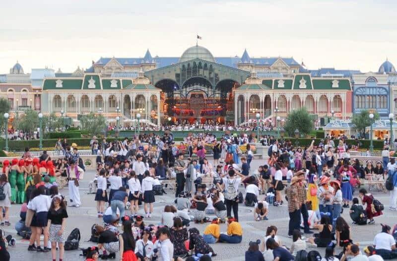 September Crowds Tokyo Disneyland