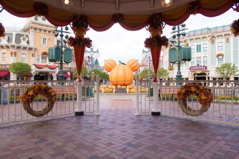 Hong Kong Disneyland Main Street Halloween