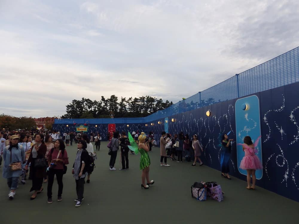 The Tomorrowland/Toontown Construction Wall at Tokyo Disneyland
