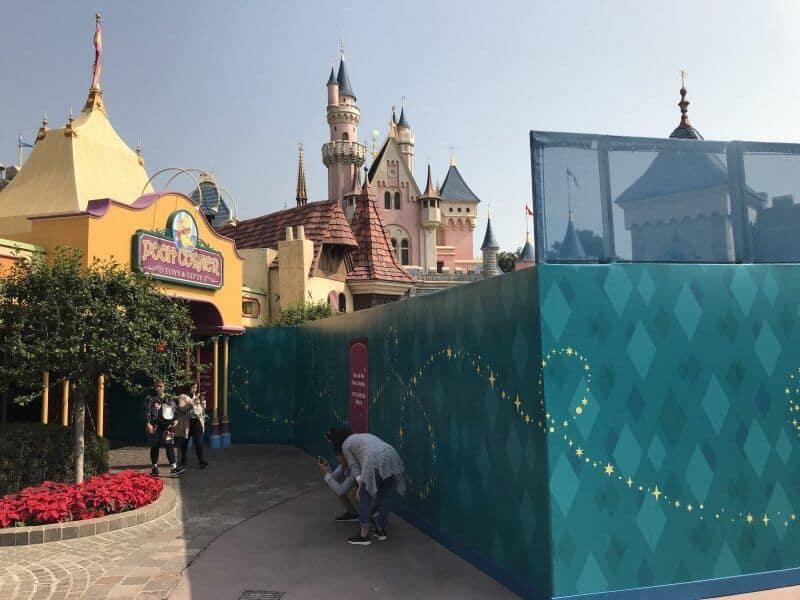 Hong Kong Disneyland Sleeping Beauty Castle Transformation Walls 4