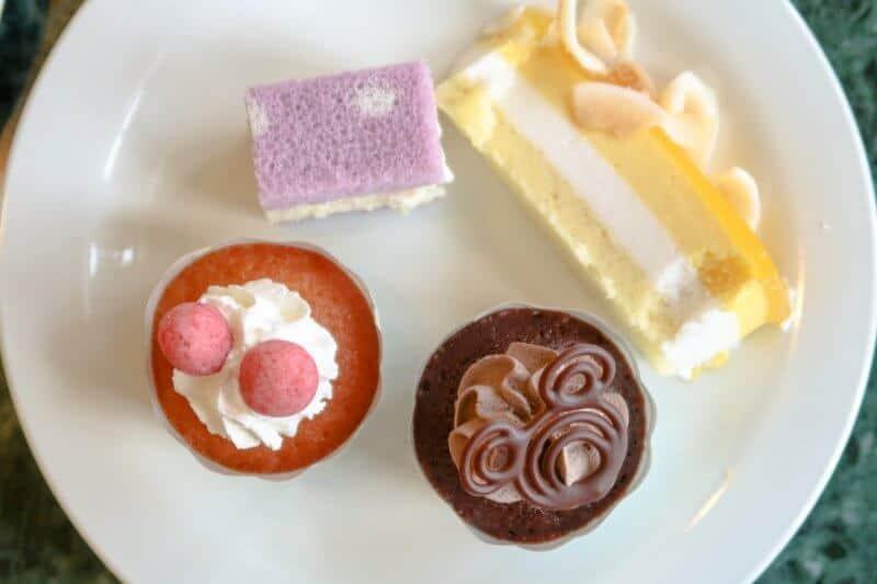 Crystal Palace Dessert Plate Tokyo Disneyland