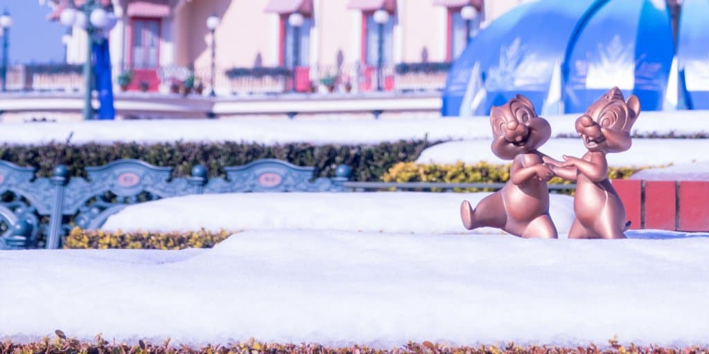 Snow Day at Tokyo Disneyland Photo Report