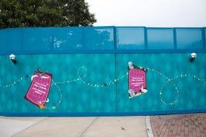 HKDL Castle Walls Aladdin Snow White