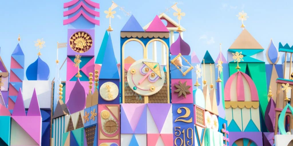 "Previews of ""it's a small world"" at Tokyo Disneyland"