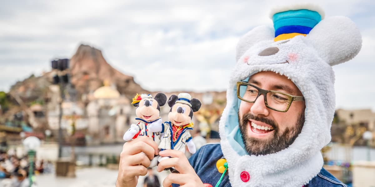 Ultimate Guide to Christmas at Tokyo Disneyland
