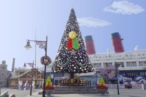 DisneySea Christmas Tree