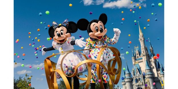 New Mickey & Minnie Celebration Outfits Coming to Hong Kong and Shanghai Disneyland Resorts