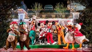 Christmas Swing Shanghai Disneyland Christmas 2018
