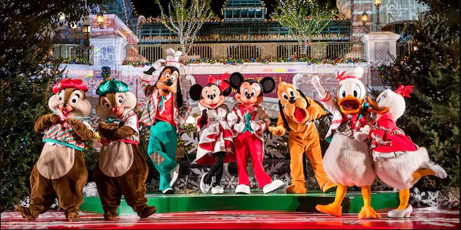 Shanghai Disney Resort Christmas 2018