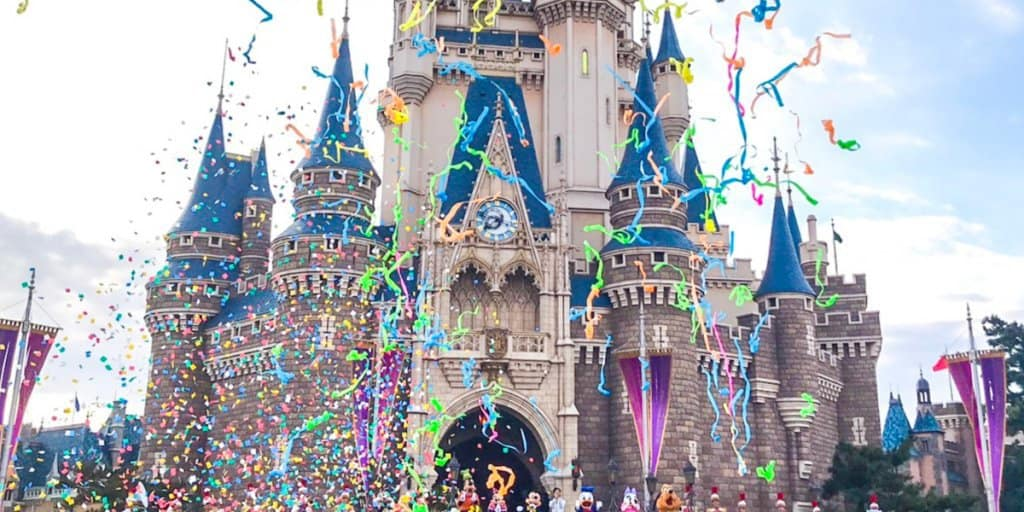 11 Hour Wait To Wish Mickey Mouse A Happy Birthday At Tokyo Disneyland