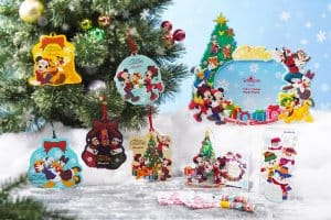 Photo Stand and Tree Decorations Hong Kong Disneyland Christmas 2018