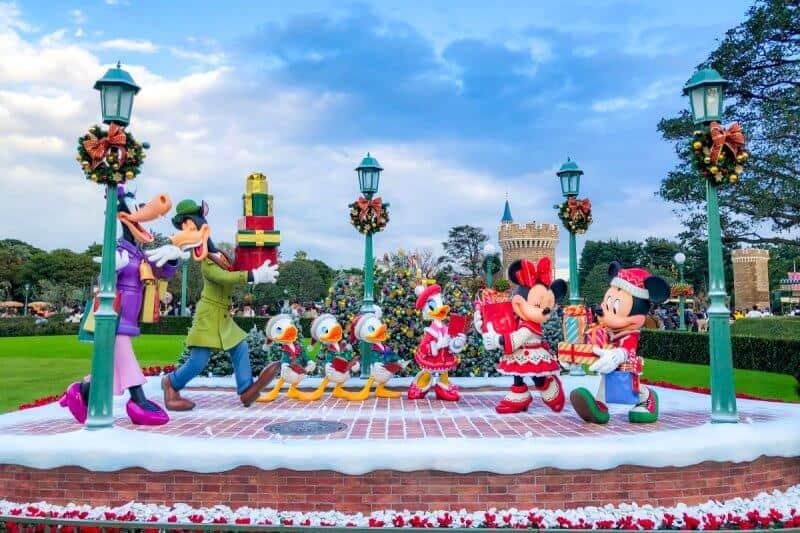 Tokyo Disneyland Mickey Christmas Decorations
