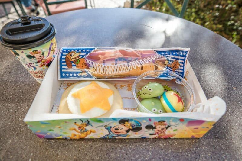 Toy Story Set at Tokyo DisneySea for Pixar Playtime (Mama Biscotti's Bakery)