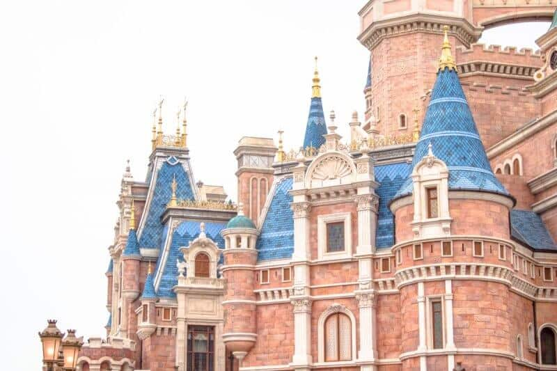 The second part of your Disney Parks in Asia trip takes you to the newest Disney Park, Shanghai Disneyland. Behold the beauty of the Enchanted Storybook Castle.