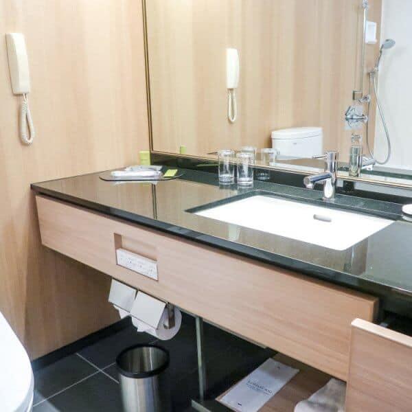 Hilton Tokyo Bay Hotel Bathroom