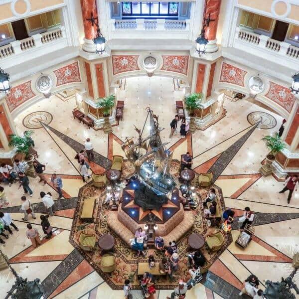 Hotel MiraCosta Lobby
