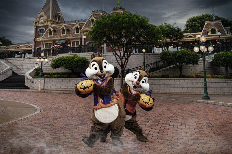 Chip & Dale Halloween Costumes at Hong Kong Disneyland