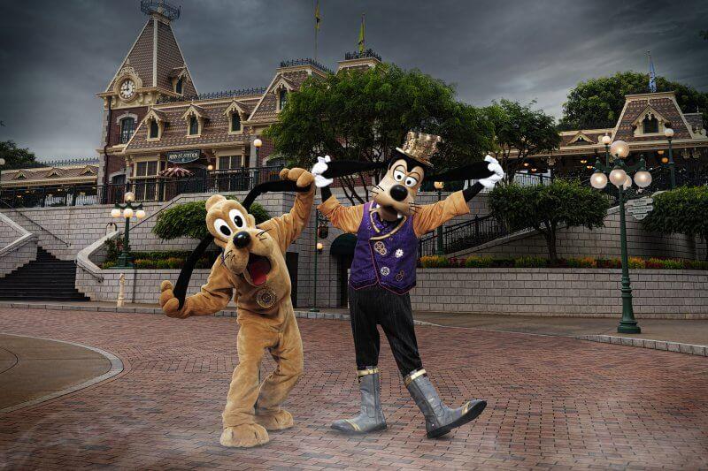 Pluto & Goofy Halloween Costumes at Hong Kong Disneyland