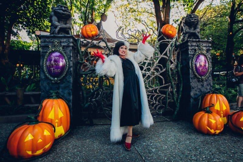 Halloween Time Festival Gardens Cruella de Vil Hong Kong Disneyland