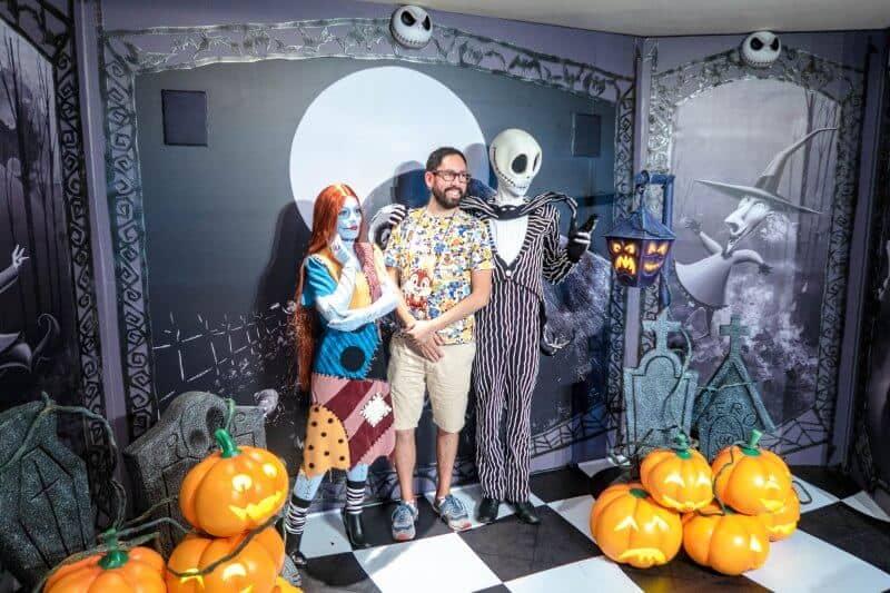 Jack and Sally Character Greeting Hong Kong Disneyland