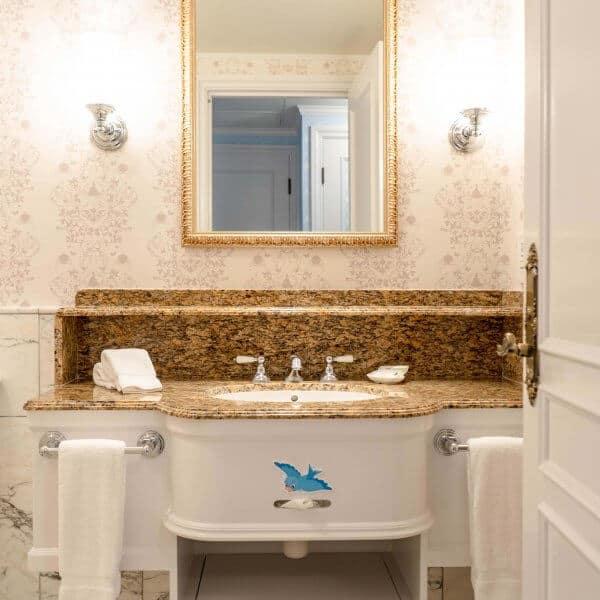 Kingdom Club Cinderella Suite Bathroom
