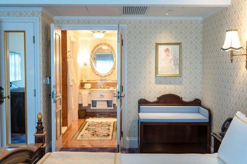 Kingdom Club Cinderella Suite Bedroom