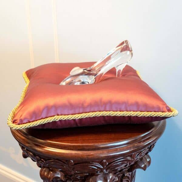 Kingdom Club Cinderella Suite Glass Slipper