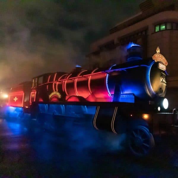 Universal Spectacle Night Parade Hogwarts Express USJ