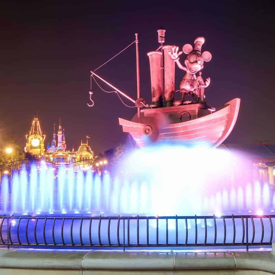 Shanghai Disneyland Reopens Hotel, Disneytown and Wishing Star Park