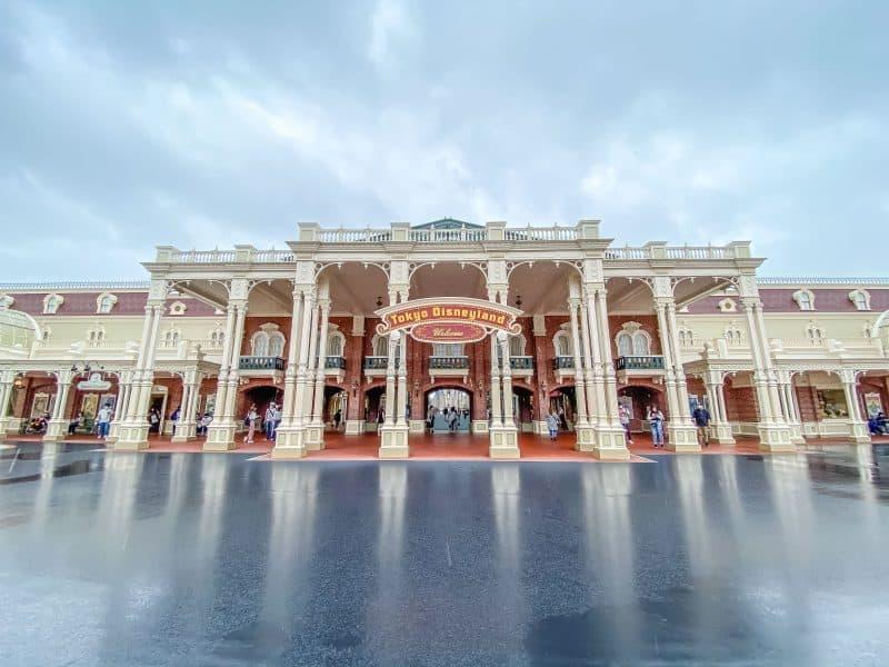 Tokyo Disneyland Reopening-26