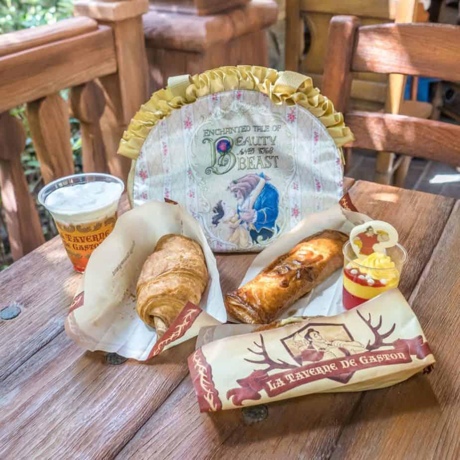 La Taverne de Gaston Review at Tokyo Disneyland