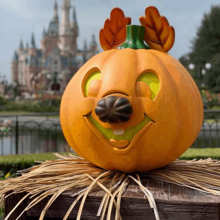 Halloween comes to Shanghai Disneyland